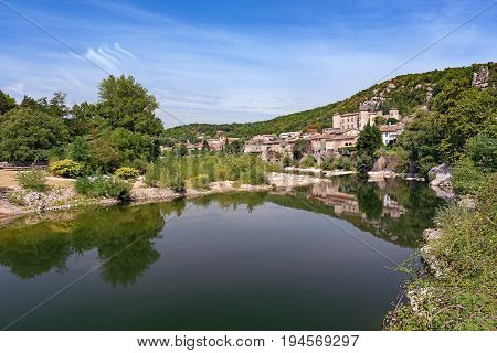 town Vogue which village is recognized as historical heritage and is considered one of ten charming villages of France