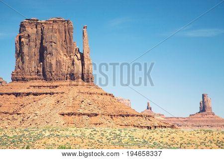 USA, Arizona, Mitten Butte at Monument Valley