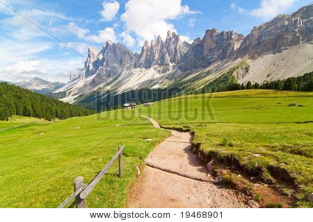 path in the dolomites alps