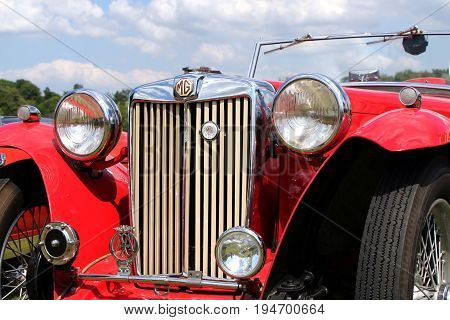Sandhurst, Uk - 18Th June 2017: Closeup Of The Grille, Lights And Badges On A Classic Mg Ta Converti