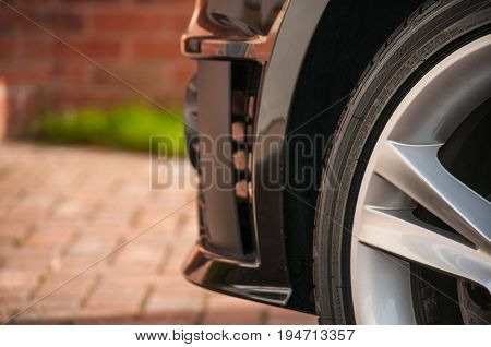Tyre Tire and Alloy Wheel, black paintwork