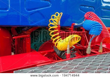 Truck, Lorry , airbrake hoses, connections, blue and red cab