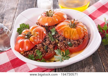 baked tomato with beef
