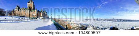 Vue sur le château de Frontenac (Quebec) en hiver
