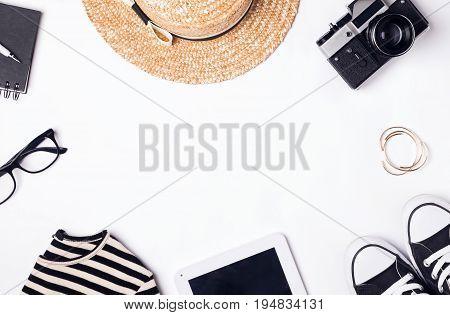 Feminine Accessories For Travel.
