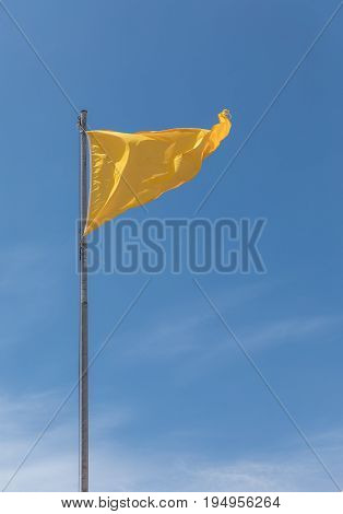 Yellow flag on the French coast for bathing dangerous
