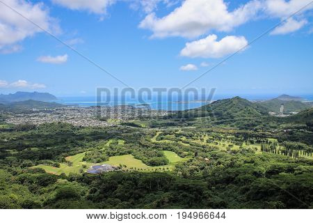 Landscape image of the View from Nuuanu Pali Lookout, Oahu, Hawaii.