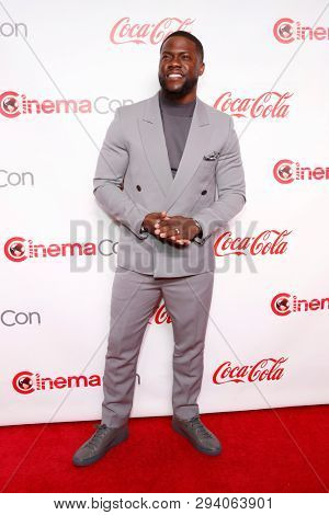 LAS VEGAS - APR 4:  Kevin Hart at the 2019 CinemaCon Big Screen Achievement Awards at the Caesars Palace on April 4, 2019 in Las Vegas, NV