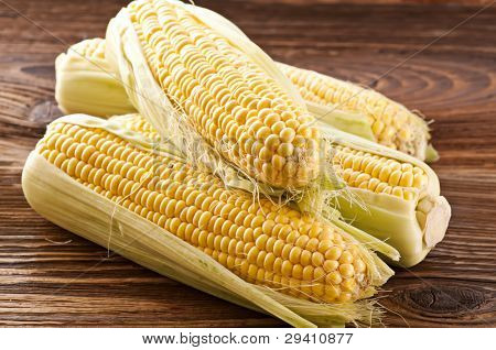 corncobs on a wooden table