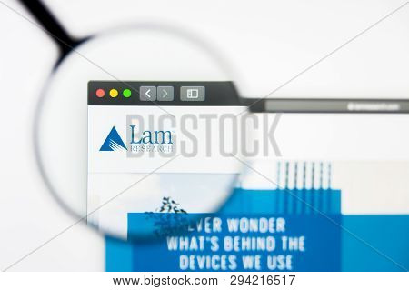 Los Angeles, California, Usa - 8 April 2019: Illustrative Editorial Of Lam Research Website Homepage