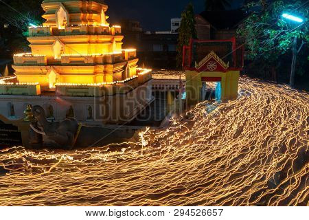 Songkhla, Thailand, Feb. 19, 2019 : High Buddha Statue At Twilight In Visakha Bucha Day, The Buddhis