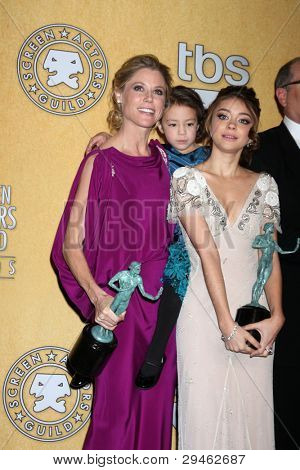 LOS ANGELES - JAN 29:  Julie Bowen, Aubrey Anderson-Emmons, Sarah Hyland in the Press Room at the 18th Annual Screen Actors Guild Awards at Shrine Auditorium on January 29, 2012 in Los Angeles, CA
