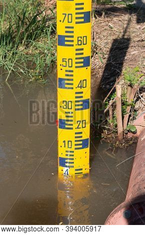 Yellow Water Scale Indicator In Lake To Warn People Of Flooding