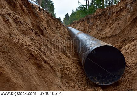 Installation Natural Gas Pipeline. Crude Oil Pipe Transportation Market. Petrochemical Industry. Nat