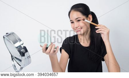 Asian Teen Woman Sit In Front Of Camera And Live Broadcasting
