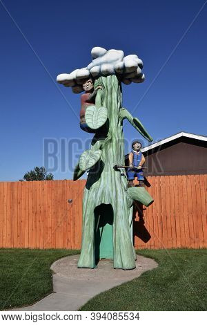 Rapid City, South Dakota, August 16, 2020: The Statue Of Jack And The Beanstalk Is Found In Storyboo