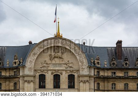 Paris, France - August 29, 2019 : Invalides National Hotel Is A Great Complex Of Buildings With Army