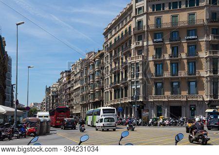 Barcelona, Spain - May 16, 2017: Hotel Ginebra On The Rambla De Catalunya St. And View To The Ronda