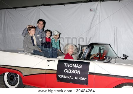 LOS ANGELES - NOV 25:  Thomas Gibson and family arrives at the 2012 Hollywood Christmas Parade at Hollywood & Highland on November 25, 2012 in Los Angeles, CA