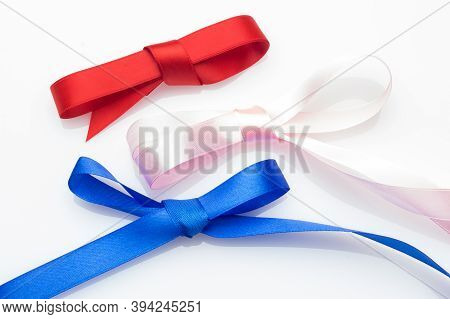 Bow With A Nice Bow To Decorate A Gift