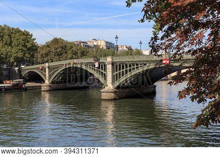 Paris, France - August 30, 2019: It Is Part Of The Suli Bridge That Crosses The Seine From The Left