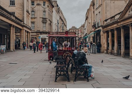 Bath, Uk - October 04, 2020: Hot Sausage Food Cart On A Street In Bath, The Largest City In The Coun