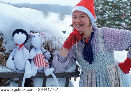 Moscow Region / Russia - 01 06 2019: Moomintroll Dolls In Snow. Moomin Family Of Trolls In The Winte