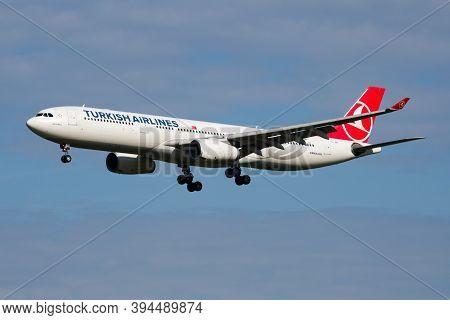 Amsterdam / Netherlands - July 3, 2017: Turkish Airlines Airbus A330-300 Tc-jnn Passenger Plane Arri