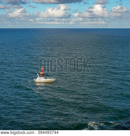 Ft. Lauderdale, Fl Usa - October 31, 2019:  A Pilot Boat Escorts A Cruise Ship Into Or Out Of Port F
