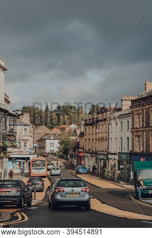 Frome, Uk - October 07, 2020: Cars On Market Place Street In Frome, A Market Town In The County Of S