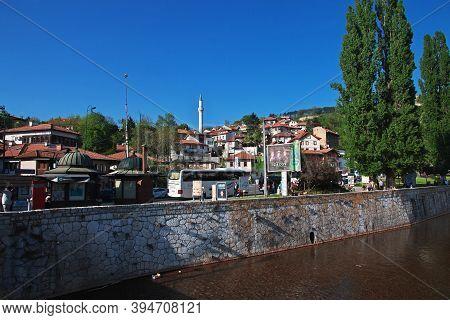Sarajevo, Bosnia And Herzegovina - 27 Apr 2018: The Mosque In Sarajevo City, Bosnia And Herzegovina