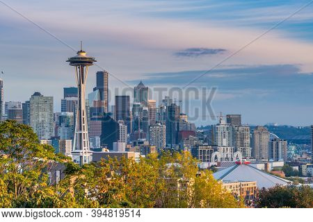 Seattle, United States: October 6, 2018: Sun Shines Over Seattle Skyline From Kerry Park