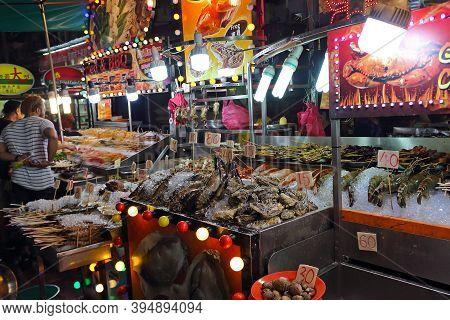 Kuala Lumpur, Malaysia - Mart 15, 2019: Seafood Buffet On Jalan Alor. Night Food Street In Kuala Lum
