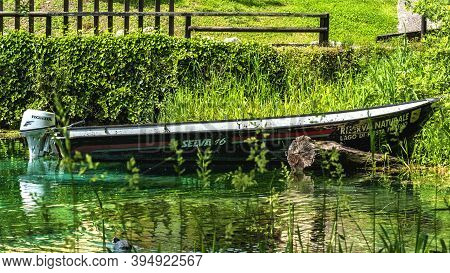 Posta Fibreno,lazio,italy-may 8,2019:motorboat By The Lake In Posta Fibreno Nature Reserve On A Sunn