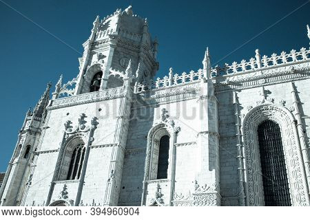 Castel In The Center Of Portugal Lisboa