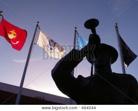 Statue Military Memorial Display