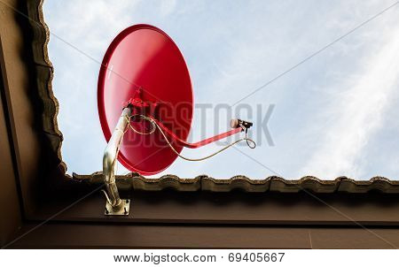 Satellite Red On Roof