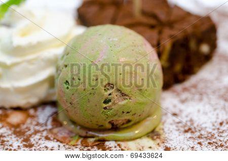 Gourmet Ice Cream With Japanese Green Tea Matcha