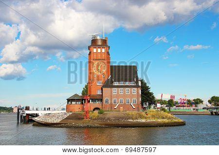 Lotsenhaus Seemannshoft (Pilot house) in the port of Hamburg, Germany poster