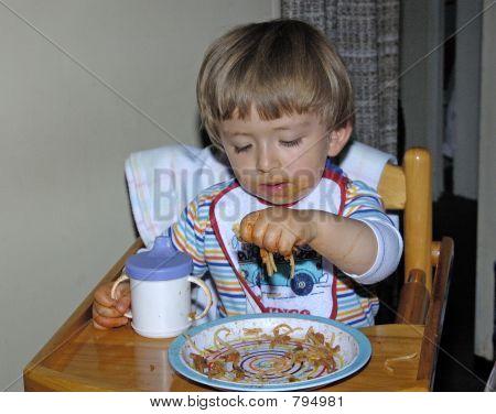Eating spaguetties