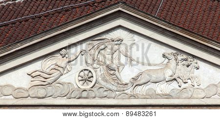 Apollo's Chariot On The La Scala's Facade In Milan