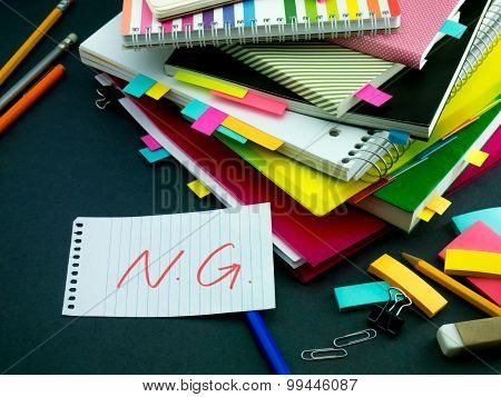 Somebody Left The Message On Your Working Desk; Ng