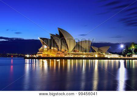 Long Exposure Fo Sydney Australia - August 22, 2015 : View Of Sunrise At Sydney Opera House