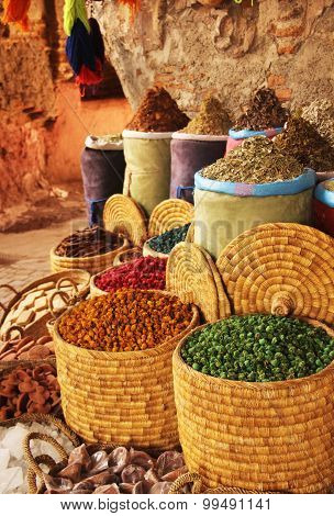 Natural dying products and spices in Marrakech