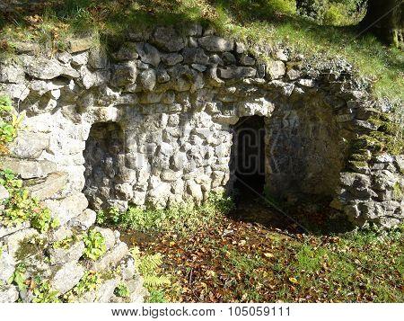 Rocky Wall Grotto