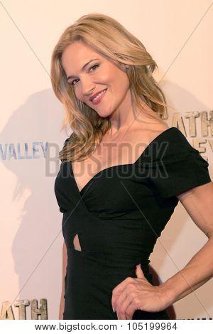 LOS ANGELES- OCT 17: Actress Victoria Pratt arrives at the