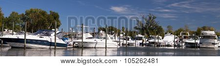 N VIRGINIA, USA -  SEP 23 2015 : Leisure boats lie at anchor in the Pentagon Lagoon Marina