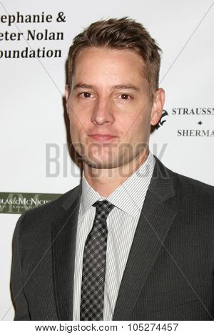LOS ANGELES - OCT 17:  Justin Hartley at the  LAPD Eagle & Badge Foundation Gala at the Century Plaza Hotel on October 17, 2015 in Century City, CA