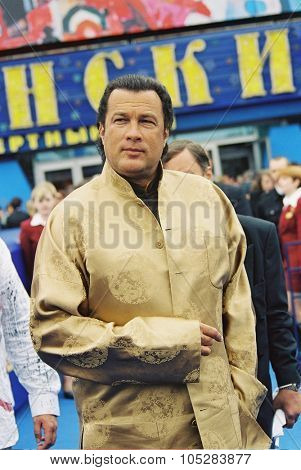 MOSCOW - JUNE 29: Steven Seagal   arrives for closing ceremony  the 25th Moscow International Film Festival on June 29, 2003 in Moscow, Russia.