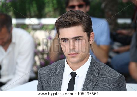 CANNES, FRANCE - MAY 24: Zack Efron attends the 'The Paperboy' photocall during the 65th Cannes  Festival at Palais des Festivals on May 24, 2012 in Cannes, France.